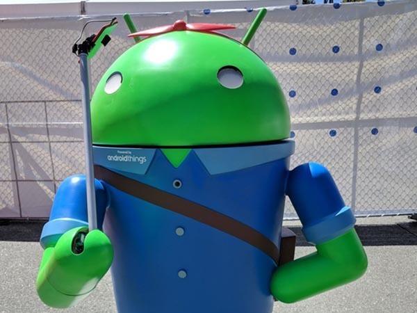 Retromarcia per Android Things: focus solo su speaker e schermi
